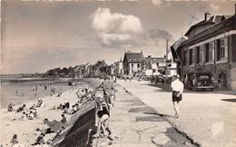 GRANDCAMP - La Ville Et La Plage  (CPSM Petit Format) - Altri Comuni