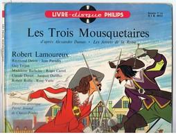 Livre Disque Philips Vinyle 33 Tours 25cm LES TROIS MOUSQUETAIRES ETR 0032.de 1958 - Formats Spéciaux