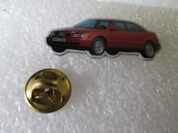 PIN'S  AUDI  A 4 - Audi