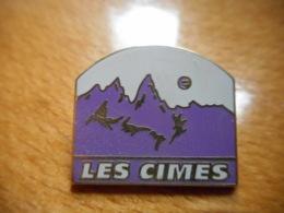 A051 -- Pin's Les Cimes Arthus Bertrand -- Dernier Vendu 03/2016 - Ciudades