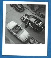 CP Paris Voiture Taxi Peugeot 402 Et Cabriolet Ford Vedette Vue Aérienne Paris Année 1950 R Violet Moto Voir Recto - Petits Métiers à Paris