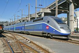 Nice (06)  23 Mai 2006 - La Rame TGV Duplex  N°205 Au Dépôt De Nice - Stations With Trains