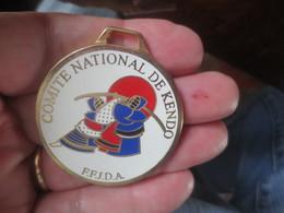 MEDAILLE F.F.J.D.A COMITE NATIONAL DE KENDO - Martial Arts