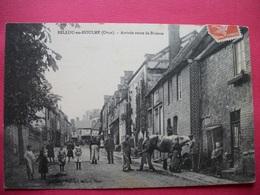 BELLOU-en-HOULME   :   Arrivée Route De Briouze   -   Maréchal Ferrant - La Ferte Mace