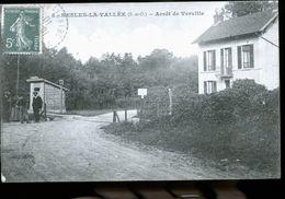 NESLES LA VALLEE PASSAGE A NIVEAU - Nesles-la-Vallée