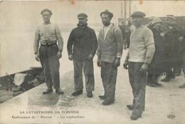 CALAIS  CATASTROPHE DU PLUVIOSE  RENFLOUEMENT LES SCAPHANDRIERS - Calais