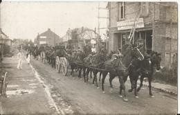02 - LAON - Carte Photo - La Traversée De Laon - Soldats Français  Guerre 1914-1918 Artillerie A Priori La 4ème Batterie - Laon
