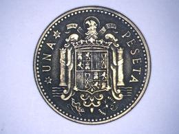 1947 - Espagne - Spain - UNA PESETA, ETOILE 49 - [ 4] 1939-1947 : Gobierno Nacionalista