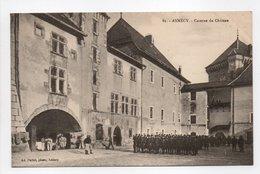 - CPA ANNECY (74) - Caserne Du Château (belle Animation) - Photo Pariot N° 81 - - Annecy