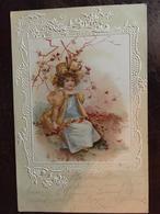 Cpa, Gaufrée,  Illustrateur, Fillette élégante, Avec Chapeau,feuilles, écrite En 1900? 1910? - Illustrateurs & Photographes