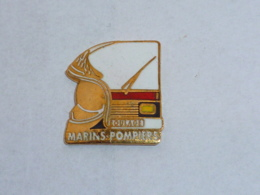 Pin's MARINS POMPIERS, ROULAGE - Bomberos