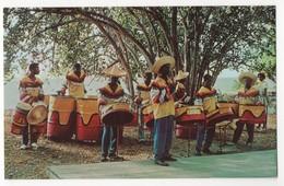 West Indies. Steelband. Caribbean Musicians Playing On Metal Cans. Musiciens Des Antilles Jouant Sur Des Bidons En Métal - Antilles