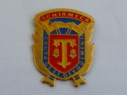 Pin's SAPEURS POMPIERS DE SCHIRMECK - Firemen