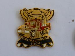 Pin's SAPEURS POMPIERS DE WEITBRUCH - Firemen