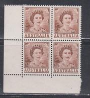 AUSTRALIA Scott # 315 MNH Block Of 4 - Queen Elizabeth II - Nuovi
