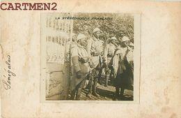 PHOTOGRAPHIE ANCIENNE GUERRE GROUPE DE SOLDATS SENEGALAIS TIRAILLEURS Haverskerque - Guerra, Militares