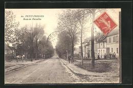 CPA Petit-Fresnes, Route De Versailles, Vue De La Rue - Fresnes