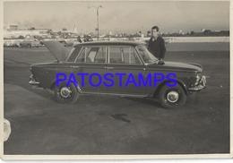 130545 ARGENTINA AUTOMOBILE OLD CAR AUTO SEDAN FIAT AND MAN 11.5 X 8 CM PHOTO NO POSTAL POSTCARD - Postales