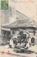 ANNAM - Hué - Marchands Et Barbiers à L'Entrée De La Citadelle - Vietnam
