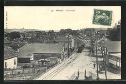 CPA Bernay, Blick In Eine Strasse, Tramway - Bernay