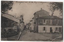 CPA 30 : FOURQUES - Rue De La République - Ed. Darbousset - Autres Communes