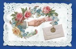 Carte Dentellé    Couple Se Serrant La Main Découpi Fleurs  Roses - Fancy Cards