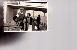 REF 468 : Photo Originale 8.5 X 6 Cm Famille Sur Le Saint St Christophe De Mindin à Saint Nazaire - Bateaux