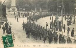 SOISSONS-place De La République -défilé Du 67e -le Drapeau - Soissons