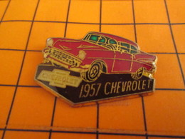 520 Pin's Pins / Beau Et Rare / THEME : AUTOMOBILES / CHEVROLET ROUGE DE 1957 - Autres
