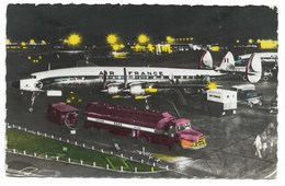 Aeroport De Nuit...  Animé  Avion AIR FRANCE... Camion-Citerne Berliet ESSO... - Aérodromes