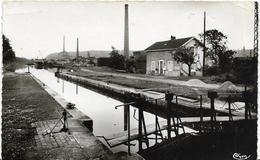 ~  JP  ~  88  ~   CHATEL ~ SUR  ~  MOSELLE  ~    Canal De L ' EST ,  L ' écluse     ~ - Chatel Sur Moselle