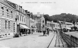 CPA Perros Guirec Avenue De La Gare Hotel Terminus Attelage Cheval - Perros-Guirec