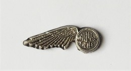 Pin's HARLEY DAVIDSON 2 Attaches - Badges