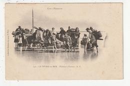 LE VIVIER SUR MER - PECHEURS D'HUITRES - 35 - France