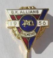 Brottarklubben BK Allians SWEDEN WRESTLING CLUB PINS BADGES P3/9 - Lotta