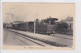 NEVERS * Le Tacot En Gare Du Tonkin - CPA En Très Bon état - Nevers