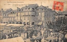 64-NAY- UN COIN DE LA PLACE DE LA REPUBLIQUE, UN JOUR DE MARCHE - Sonstige Gemeinden