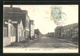 CPA Le Neubourg, La Rue D`Elbeuf, Vue De La Rue - Le Neubourg