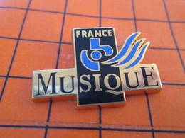 720 Pin's Pins / Beau Et Rare / THEME : MEDIAS : FRANCE MUSIQUE RADIO Pour Toi Gori Qui Paye Trop Lentement ! - Medien