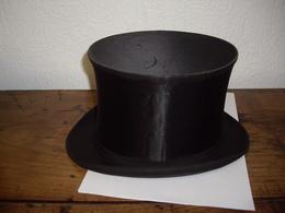 Chapeau Haut De Forme Ancien En Soie - Cylindre - Fracs - Chapeau Claque Ou Clac - Gibus - Bon état - Taille 52/53 - Accessoires