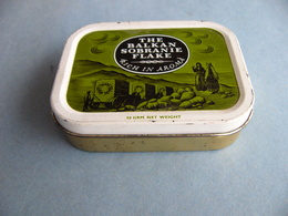 Vintage Ancienne  Boite à Tabac  De Collection  THE BALKAN SOBRANIE Rich In Aroma  Complète - Cajas Para Tabaco (vacios)