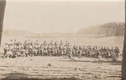 CARTE PHOTO:ALLEMAGNE MILITAIRES SOUVENIR DES MANŒUVRES AU CAMP DE LUDWIGSWINKEL - Militaria