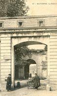 64 - Bayonne - Le Réduit - Tambour Et Clairon - Bayonne
