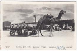 PAKISTAN  : KARACHI  Carte Photo  : Attelage De Chameau . Pub Dunlop - Pakistan