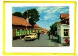 Westoutre - Mont Noir    Frontiere. Douane Douaniers.   Oldtimer.   Ford  Mustang  Citroen 2cv - France