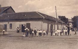 CURTICI / ARAD : MACELAR JOAN CLEPE / TUTUN / TIGARI / BAUTURI - CARTE VRAIE PHOTO / REAL PHOTO POSTCARD ~ 1923 (ae188) - Roumanie
