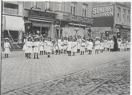 617 - BELGIQUE - CINEY - Procession  Fête Dieu En 1909 - Ciney