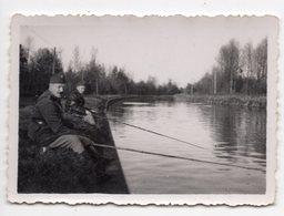 LE CANAL DE L OISE A CLERY ? SOLDATS PECHEURS   1939  VOIR LEGENDE AU DOS - Guerra, Militari