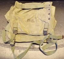 ARMEE AMERICAINE U.S :PETITE  MUSETTE AVEC MARQUAGE U.S , ATTACHE POUR LE PORT AVEC LE BRELAGE  , BON ETAT VOIR PHOTO . - Equipment