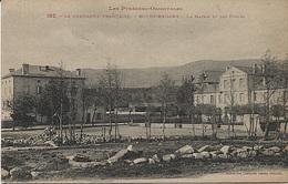 X121006 PYRENEES ORIENTALES CERDAGNE BOURG MADAME LA MAIRIE ET LES ECOLES - Autres Communes